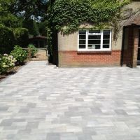 Multi-tone Grey Block Paving